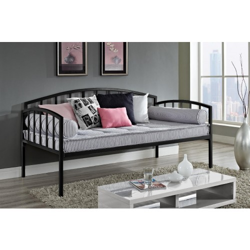 Twin-sized  metal daybed